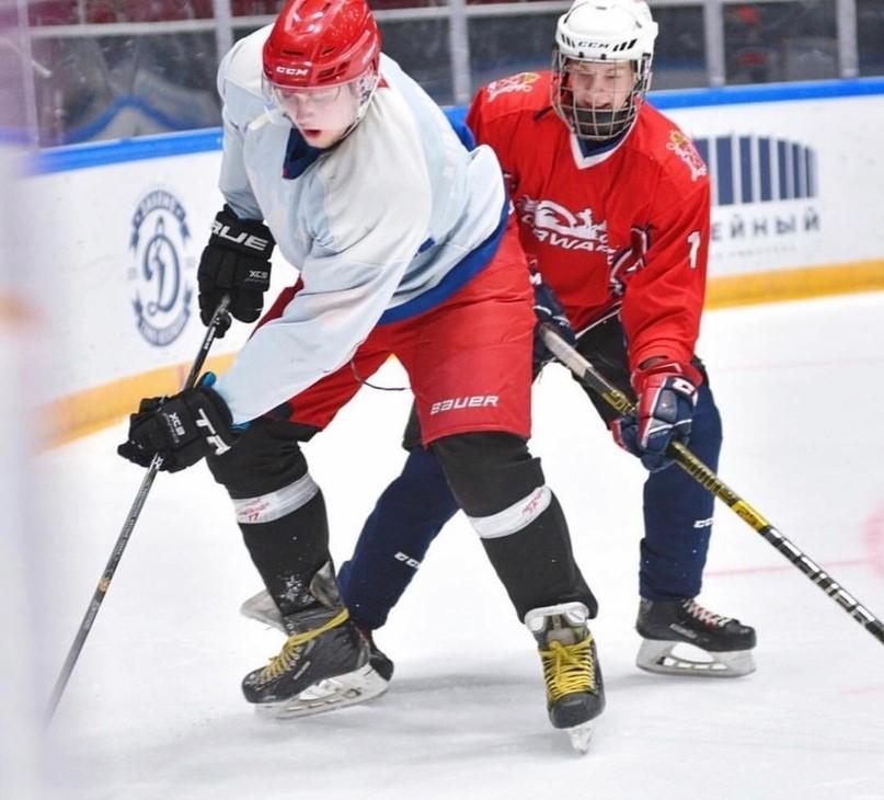 """Фото """"Играть в хоккей"""""""